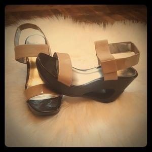 Classy Calvin Klein Tan & Brown Sandals Size 7M